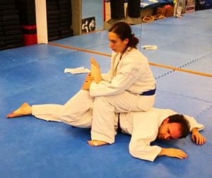 esempio di autodifesa nel jujitsu